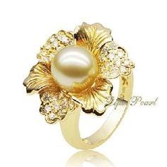 Flower Ring: 18k Gold With Southsea Pearl and Diamonds (RA0643)