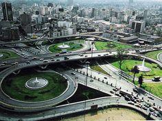 Moderno cruce de las avenidas Ejército Nacional, Mariano Escobedo y Río San Joaquín. Foto tomada en los años 70's.