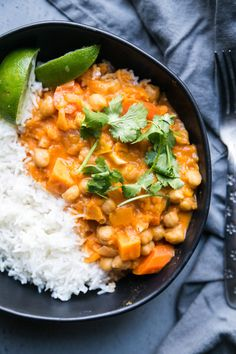 One of my favorite things to make in my Instant Pot is Thai-inspired curry. Instant Pot Pressure Cooker, Pressure Cooker Recipes, Pressure Cooking, Sweet Potato Curry, Tasty Kitchen, Curry Recipes, Easy Cooking, Pioneer Woman, Main Dishes