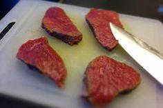 Bunter Salat mit Steak-Streifen – Paleo360.de