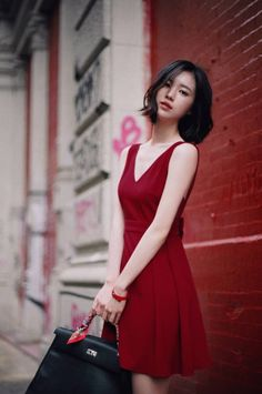 Buy BNIP Korean Ribbon Tied Back Red Dress in Singapore,Singapore. Brand New in Pack gorgeous Milkcocoa Korean maroon red dress with low back and pretty ribbon detailing! Korean Haircut Medium, Asian Haircut, Korean Beauty, Asian Beauty, Asian Woman, Asian Girl, Fashion Models, Girl Fashion, Yoon Sun Young