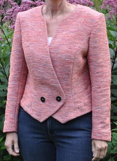 55 Trendy Sewing Projects For Women Dresses Classy Blazer Jackets For Women, Coats For Women, Clothes For Women, Trajes Business Casual, Traje Casual, Tailoring Techniques, Blazer Fashion, Jacket Pattern, Fashion Sewing
