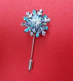 HANDMADE HANDPAINTED Christmas Clay SNOWFLAKE PIN Brooch Frozen Flower Lapel Pin