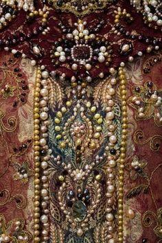 jackviolet:   Dress and kokoshnik of a Russian... - Art Details