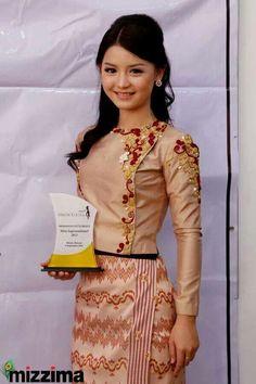 Myanmar dress Traditional Fashion, Traditional Dresses, Myanmar Dress Design, Myanmar Women, Myanmar Traditional Dress, Elegant Outfit, Lovely Dresses, Retro Dress, Dress Patterns
