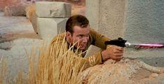 Leonard Nimoy and William Shatner in Star Trek Star Trek Gif, Star Trek Tv Series, Star Trek 1966, Star Trek Original Series, Star Trek Season 1, Star Trek Phaser, James T Kirk, Leonard Mccoy, Nichelle Nichols