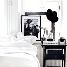 Black and White details▪️ #bedroom #bedroomdesign #bedroomdecor #bedroomdecoration #bedroomdetails #bedroominterior #designbedroom #bedroomstyling #inspiration #inspo #inspohome #design #interiordesign #designhome #interiordecoration #interiorinspiration #interiorinspo #interiorstyling #deco #decoration #homedeco #homedecoration #homeinterior #details #wordpress #wordpressblog #thosepatternedwalls