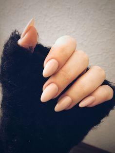 Nude almond nail #shortnails