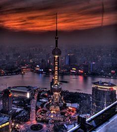 Shanghai Oriental Pearl TV Tower at night