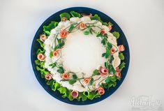 Helmihytti: Parin hengen pieni kinkkuvoileipäkakku Plates, Baking, Tableware, Cook, Box Lunches, Licence Plates, Dishes, Dinnerware, Griddles