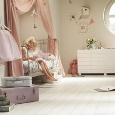 Chic girl's bedroom for a feminine haven #children #girls #bedroom #shabbychic #interior