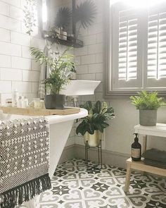 Cozy bathroom design will influence a mood. If you find a dirty bathroom, it will make you feel a bad mood. The bathing activity will feel bored. The design of the bathroom will have a huge role Cozy Bathroom, Bathroom Renos, Bathroom Interior, Modern Bathroom, Bathroom Ideas, Family Bathroom, Master Bathrooms, Shower Ideas, Bathroom Designs