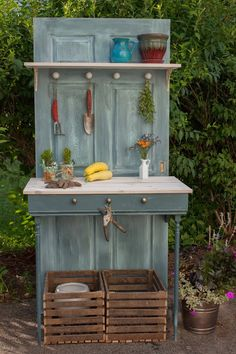 Lancaster Ave Living: Potting Table- A brand new project (finally)!