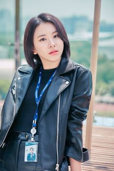 TWICE continues to recruit fans for their fan drive 'ONCE Third Generation.'Assistant manager Chaeyoung is seen looking inquisitively at f… Nayeon, The Band, Extended Play, South Korean Girls, Korean Girl Groups, K Pop, Rapper, Twice Group, Twice Fanart