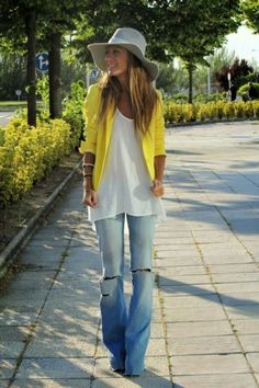 Cool Neon Outfit Ideas To Makes You Look Stunning (5)