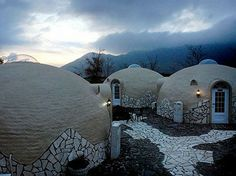 Disaster Proof Homes That Fool Mother Nature | HomeJelly