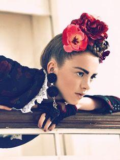 Frida Kahlo-look alike