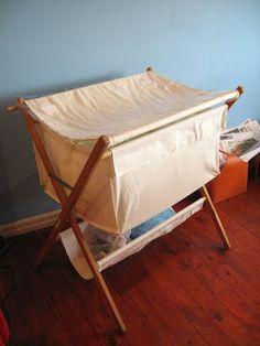cheapo hippo & yabbing yabbie: DIY folding bassinet