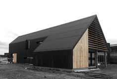 WOONHUIZEN | Project type | ARCHITECTUURSTUDIO SKA Barn House Design, Shed Design, Roof Cladding, Black House Exterior, Backyard Storage Sheds, Gable House, Steel Frame House, Architect House, Shed Plans