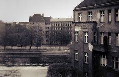 Berlin-Neukölln, Maybachufer, 1958    Blick aus der Neuköllner Hobrechtstraße über das Maybachufer und den Landwehrkanal auf das Paul-Lincke-Ufer in Kreuzberg.
