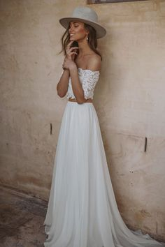 If you've been searching for effortless dresses without the wedding-gown stereotype, let this new Grace Loves Lace wedding dress collection be your guide! Bohemian Chic Weddings, Bohemian Wedding Dresses, Boho Dress, Lace Dress, Boho Chic, Chic Dress, Boho Style, Boho Bride, Hippie Chic