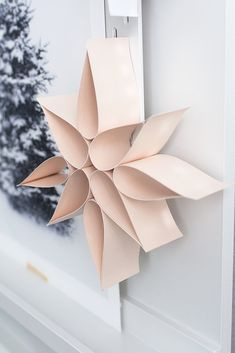 Simple poinsettia made of paper - sterne - DIY Poinsettia, Christmas Star, Christmas Crafts, Xmas, Decor Crafts, Diy And Crafts, Crafts For Kids, Diy Paper, Paper Crafts
