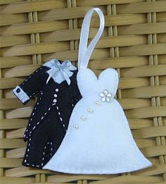 Felt Wedding Gift Tag or Ornament  * No instructions available.