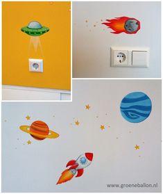 ruimte thema | raket planeten ufo komeet | kleine muurschildering | kinderkamer | babykamer | www.groeneballon.nl | Den Haag