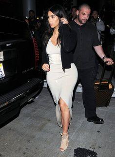 Kim+Kardashian+Kardashian+Family+Jets+Out+A4Y6YJBWIa2l.jpg 436×594 pixels
