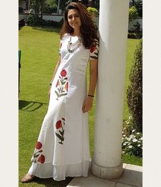 U want to stictch Punjabi dress for me okay do everything u want on me,bebo want to stictch nd send few kurtas nd anaarkalis y don't u watsup me ur sizes nd patterns let me do something for yaaa,na bangaaru pori nee kosam yemina chestanee naa mudhu gumma. Kurta Designs Women, Salwar Designs, Indian Designer Outfits, Designer Dresses, Indian Dresses, Indian Outfits, Salwar Pattern, Casual Dresses, Fashion Dresses