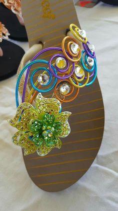 Crochet Shoes, Crochet Slippers, Gun Jewelry, Flip Flop Craft, Crochet Flip Flops, Decorating Flip Flops, Make Do And Mend, Summer Slippers, Bling Shoes
