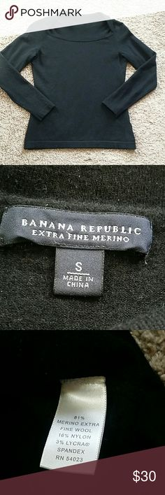 Banana Republic Extra fine Merino sweater Gorgeous sweater by Banana Republic. Full length sleeves. Extra fine Merino, 81% merino extra fine wool, 16% nylon, 3% lycra spandex. Excellent condition, no flaws. Banana Republic Sweaters Crew & Scoop Necks