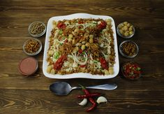 Traditional Egyptian Food Guide: 20 Must Eat Foods in Cairo, Egypt - kkkll - African Food Koshari Recipe, Israel Food, Denver Food, Comida India, Jamaican Dishes, Egyptian Food, Egyptian Recipes, National Dish, Comfort Food