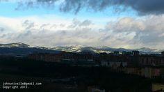 Nubarrones sobre Pamplona.