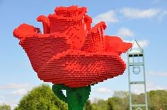 Amazing LEGO sculptures at ReimansGardens made by LEGO Certified Professional SeanKenney
