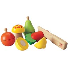 Perfectly sized for toddlers, our Fruit & Vegetable Play Set by Plan Toys encourages little hands to chop and prepare healthy foods. A fun addition to your child's kitchen pretend play, each piece is
