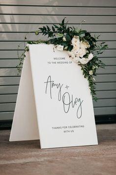 wedding inspo Elegant black + white wedding signage with lush floral accents Wedding Themes, Wedding Designs, White Wedding Decorations, Modern Wedding Theme, Minimalist Wedding Decor, Wedding Colors, Modern Wedding Flowers, Quirky Wedding, Wedding Matches