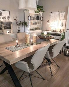Beautiful black and gold dining room design ideas for inspiration 27 – fugar Farmhouse Dining Room Table, Dining Room Chairs, Modern Dining Table, Dining Furniture, Furniture Ideas, Dining Room Design, Interior Design Living Room, Home Decor, Design Ideas