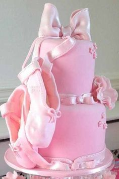 Pointe shoes cake