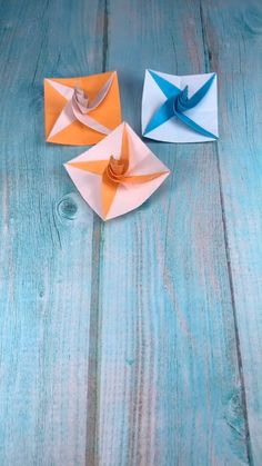 DIY Paper Gyro - DIY Paper Gyro A simple tutorial to show you how to DIY a Paper Gyro. You can get more gyro ideas by visiting the link below :-). Origami Rose, Instruções Origami, Paper Crafts Origami, Paper Crafting, Origami Butterfly, Origami Heart, Diy Crafts Hacks, Diy Home Crafts, Diy Arts And Crafts