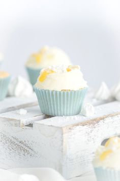tangy lemon cupcakes with meringue & lemon cream cheese frosting