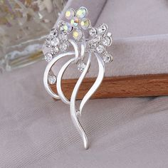 Find More Brooches Information about 40*65mm handmade Small white flower vintage brooch color rhinestone brooches for women diy Fashion Jewelry breastpin brooch pins,High Quality brooch jewelry,China brooch wedding Suppliers, Cheap brooch for wedding invitations from Playful beauty department store on Aliexpress.com