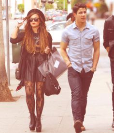 Nineteen Fashion: Demi Lovato: Celebrity of the Week Camp Rock, Miley Cyrus, Lady Gaga, Demi Lovato Style, Estilo Rock, Grunge Hair, Woman Crush, Her Style, Rock Style