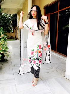 #pintrest@Dixna deol Indian Suits, Indian Attire, Indian Wear, Indian Style, Designer Punjabi Suits, Indian Designer Wear, Pakistani Dresses, Indian Dresses, Afghan Wedding Dress