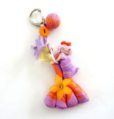 poupée fimo violetta la modeuse avec son sac bijoux de sac orange avec ses fleurs : Collier par shabby-be-chat