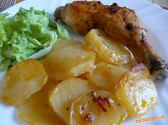 Pečené kura s cesnakom a zemiakmi ***
