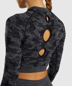 Camo Seamless Gym Crop Top Long Sleeves – Sunshine's Boutique & Gifts Gymshark Camo, Slimming Patch, Crop Top Designs, Cute Workout Outfits, Yoga Tops, Black Crop Tops, Long Sleeve Crop Top, Running Women, Workout Tops