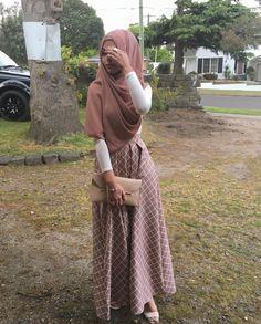 @Sarahbeauty19 Pinterest: @adarkurdish Niqab Fashion, Modern Hijab Fashion, Muslim Women Fashion, Modesty Fashion, Hijab Fashion Inspiration, Fashion Outfits, Fashion Styles, Hijab Style, Hijab Chic
