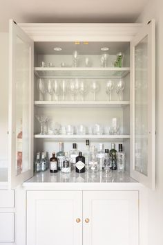 pinterest // corrigantyrrell Home Bar Cabinet, Drinks Cabinet, Liquor Cabinet, Small Home Bars, Bars For Home, Bar Cabinets, Cupboards, Alcoves, Mini Bars