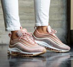 42aab87bd9e38 Basket blanche plateforme les tendances de la mode printemps ete baskets  roses nike chouette idée chaussures
